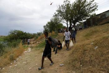 """Haití expresa su """"preocupación"""" por migrantes varados en frontera de Texas con México"""