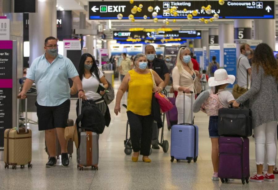 EEUU levantará en noviembre restricciones a viajes internacionales