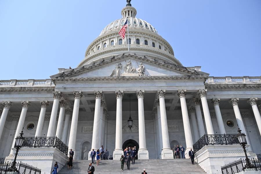 Demócratas buscan suspender límite de endeudamiento de EEUU