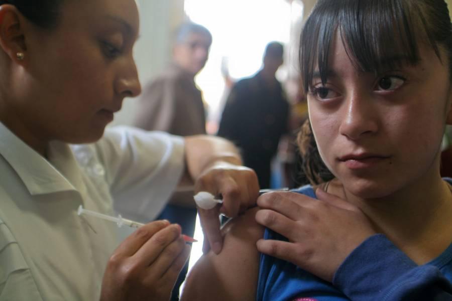 En SLP vacunarán contra Covid-19 a más de 50 menores