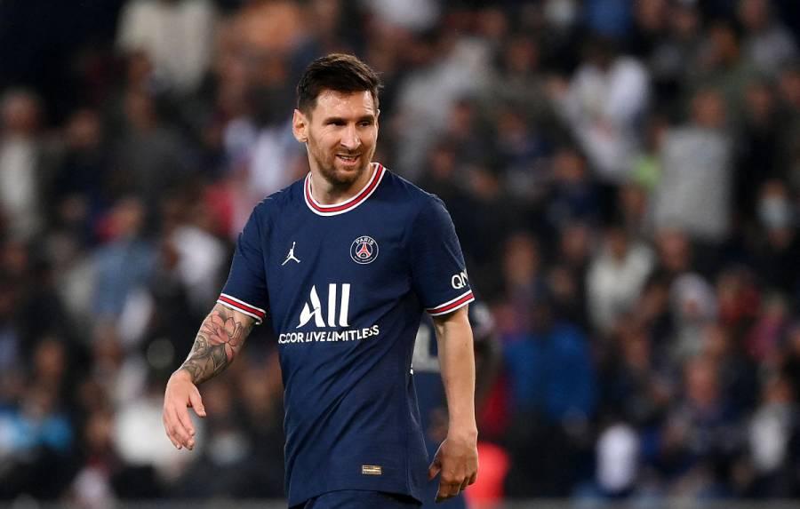 Messi se perderá partido contra Metz por posible lesión