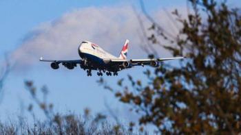 EU levantará en noviembre restricciones a viajes internacionales