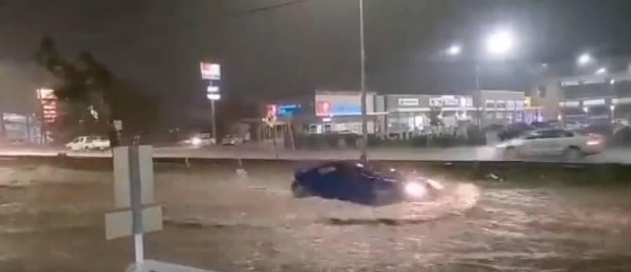 Tromba causa estragos en Monterrey, Nuevo León