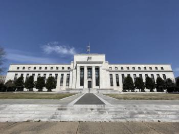 Fed mantiene tasa de interés; baja estimación de crecimiento de EEUU