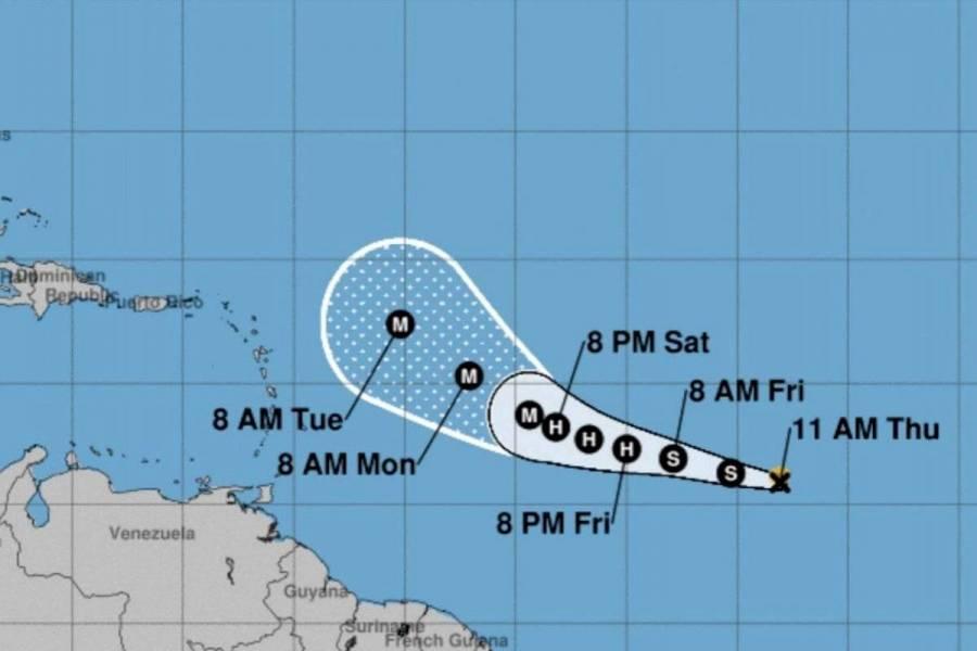 """Alertan por tormenta tropical """"Sam""""; podría convertirse en un fuerte huracán"""