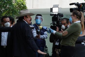 Senador de Morena pide a UIF investigar a la UNAM; correligionarios se deslindan