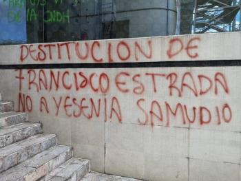 Toman las instalaciones de la CNDH; exigen renuncia de Rosario Piedra Ibarra