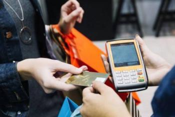 Piden prohibir cobro de comisiones en compras con tarjetas de crédito o débito