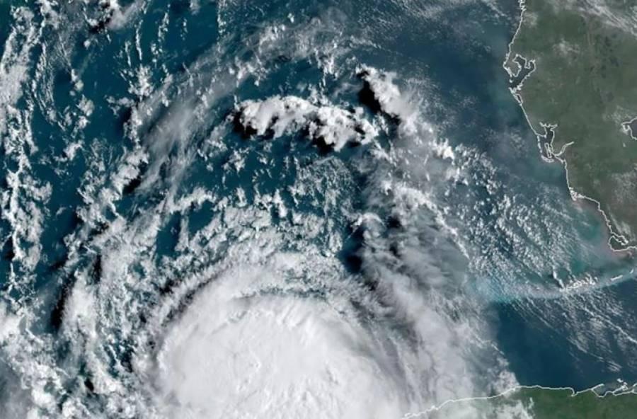 Sam se fortalece a huracán categoría 3; llegaría a 4 el domingo