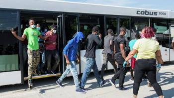 """EEUU deportó de manera """"exprés"""" a 4 mil haitianos"""