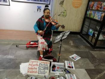 Historias en el Metro: Contadora y violinista