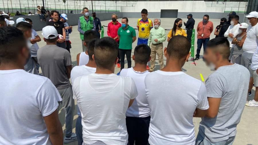 Federación Mexicana de Futbol-Tenis impulsa a jóvenes en conflicto con la ley