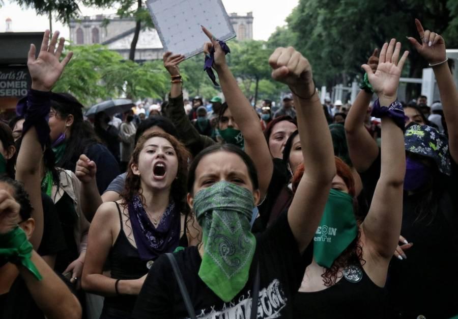Feministas en CDMX convocan a marchas por el aborto