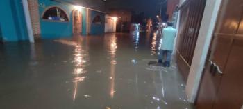 Inundaciones en Xochimilco dejan 34 casas afectadas