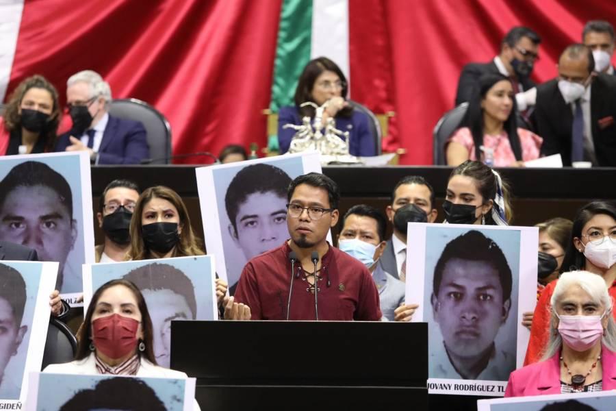 Diputado de Morena, sobreviviente de Ayotzinapa, señala burocratismo y caso fragmentado en varios expedientes