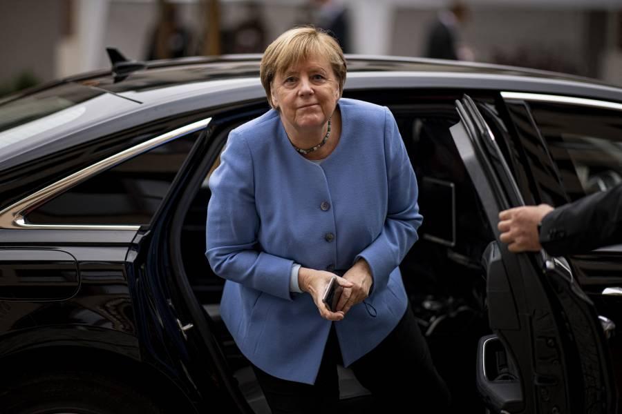 Angela Merkel felicita a Olaf Scholz por su victoria en elecciones alemanas