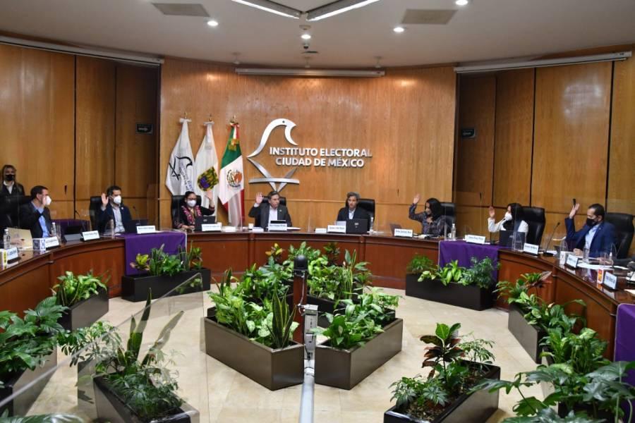 Destaca Velázquez Miranda logros al frente del IECM