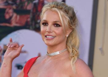 Tribunal retira al padre de Britney Spears la tutela de la cantante