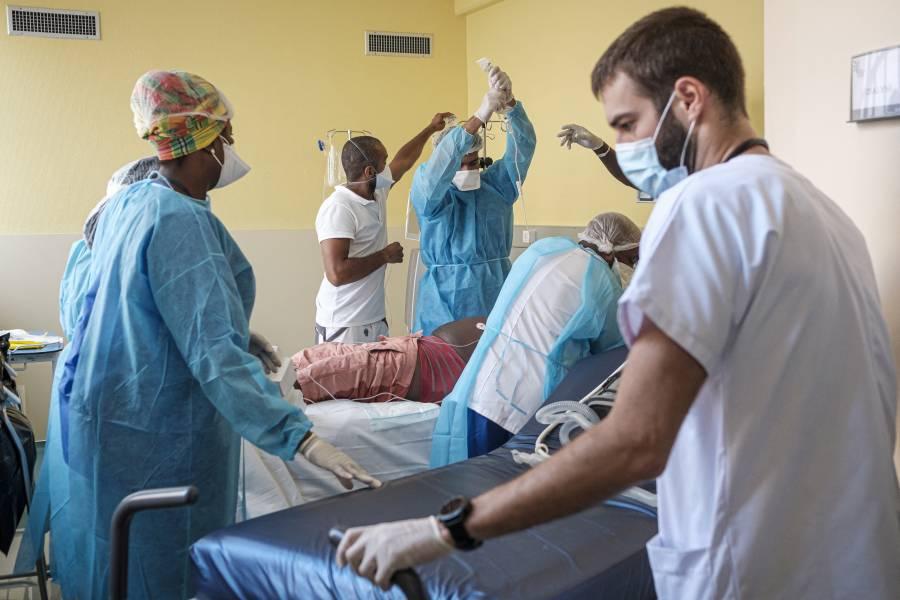Médicos lituanos hallan un kilo de clavos y tornillos en estómago de paciente