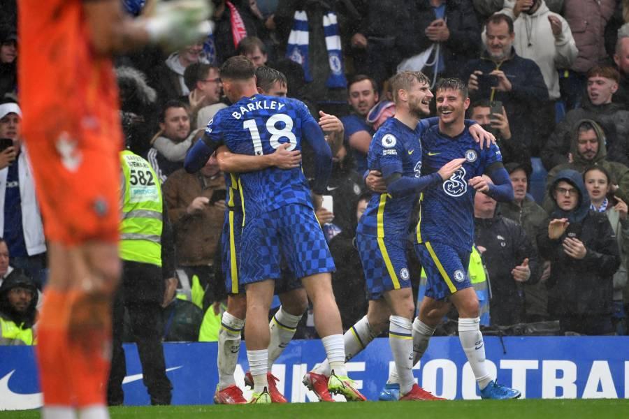 Chelsea gana al Southampton y se pone líder en la Premier League