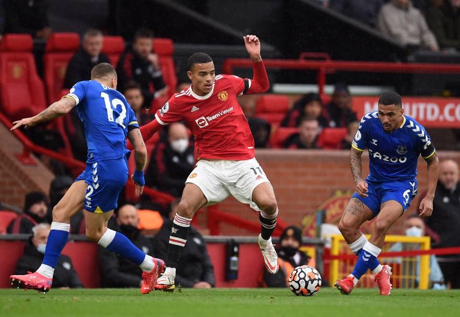 Everton empata ante el Manchester United y lo aleja del liderato