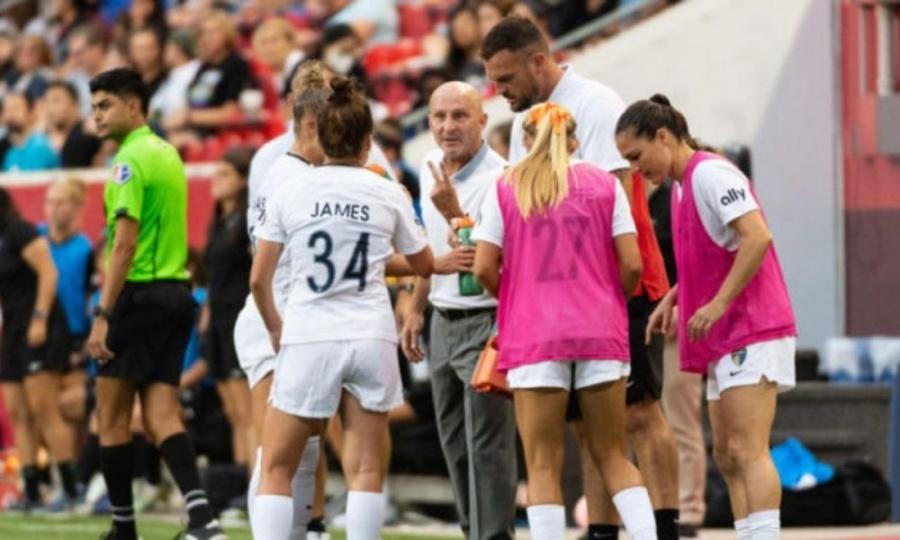 Por denuncias de abusos sexuales a jugadoras en EEUU, la FIFA abre investigación
