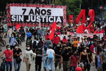Acusan que el Ejército omitió información del caso Ayotzinapa