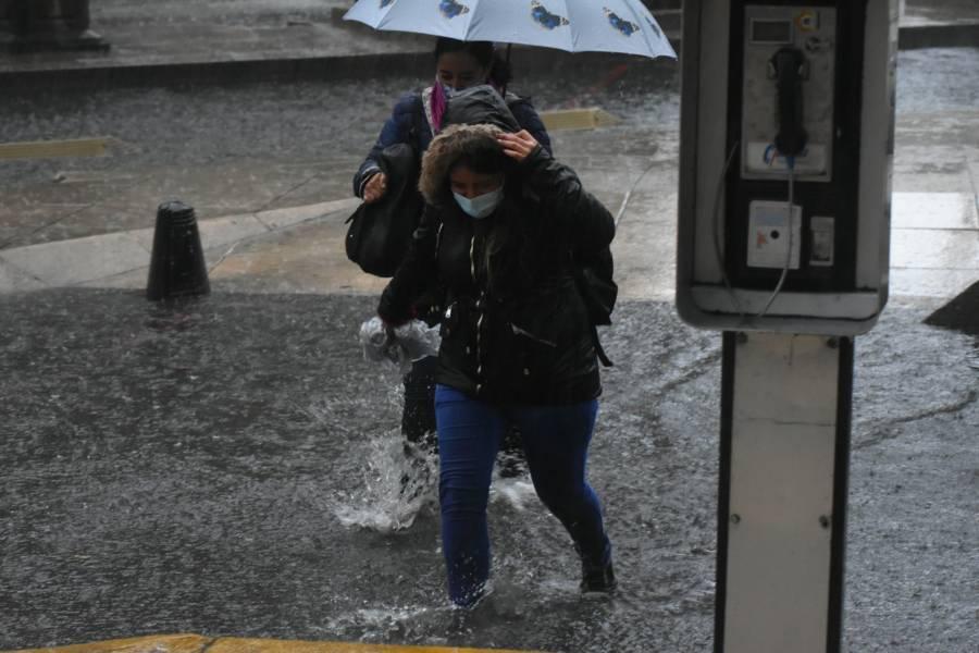 Activan Alerta Amarilla en ocho alcaldías por lluvias