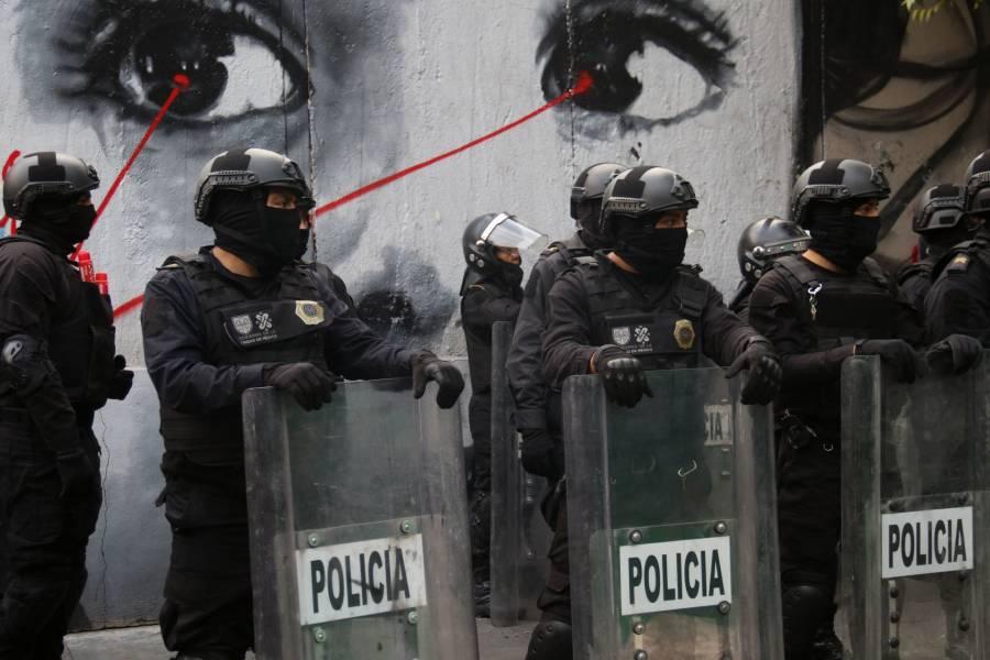Marcha del 2 de octubre deja cinco policías lesionados