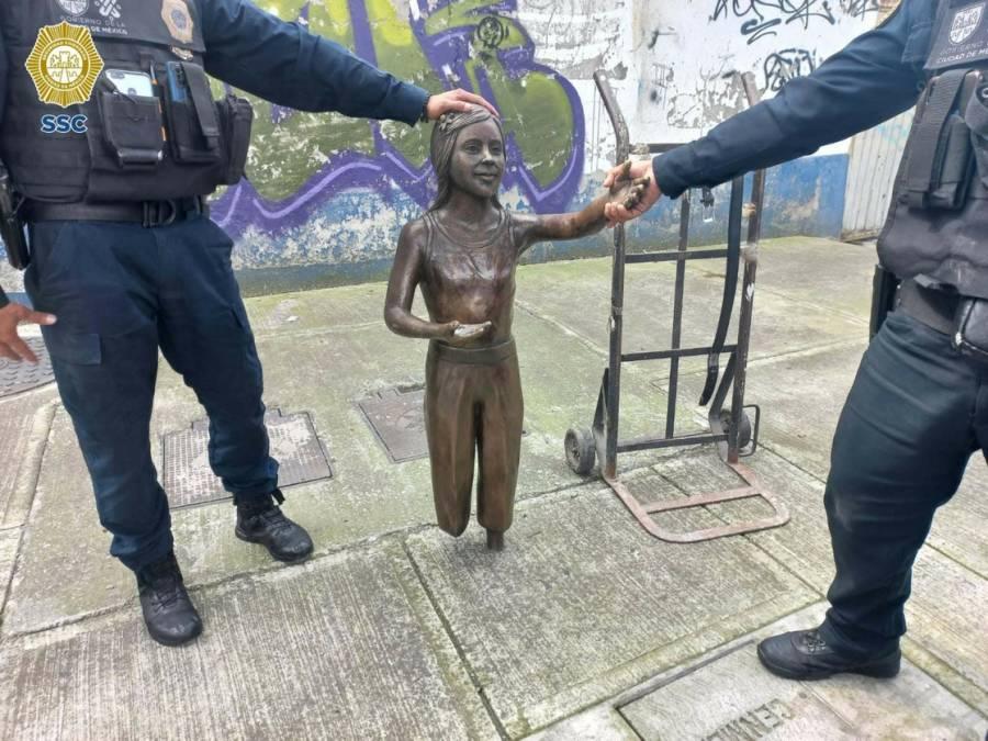 Trozan y roban escultura el
