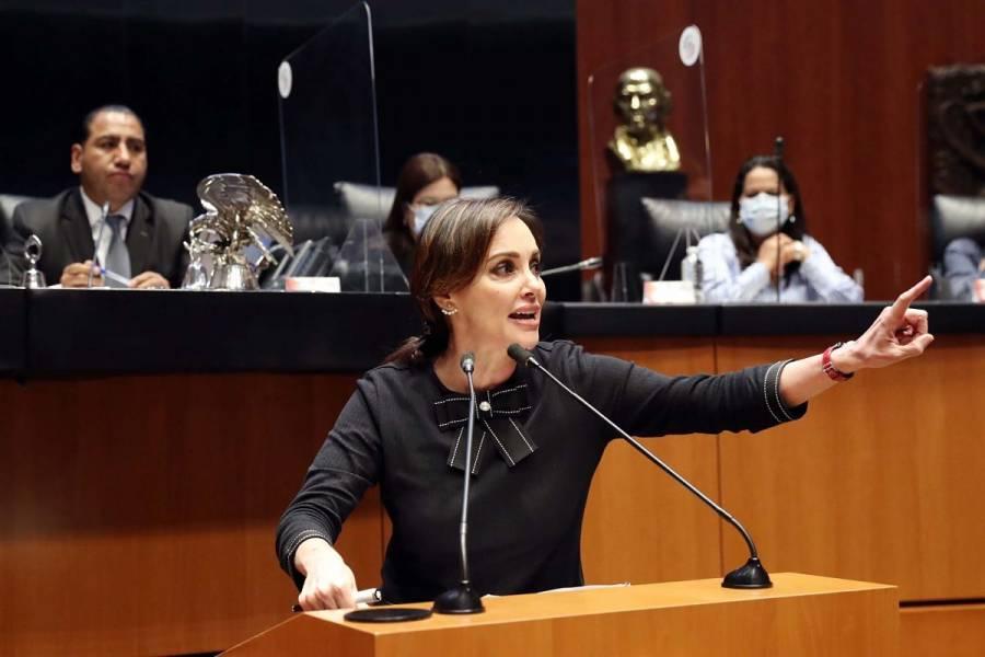 Lilly Téllez pide ayuda a la Policía Cibernética por amenazas en contra de su hijo