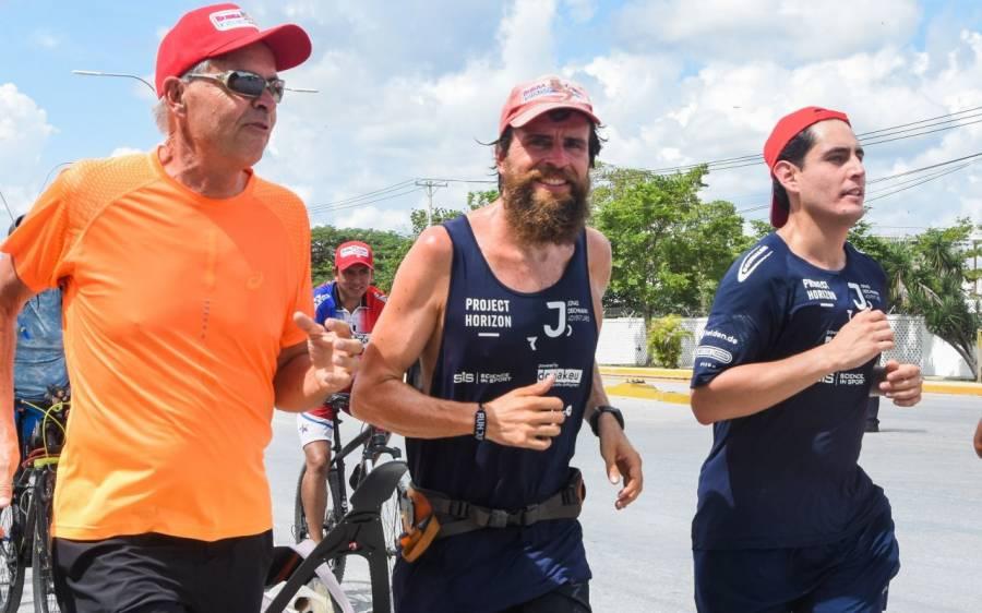 """El """"Forrest Gump"""" alemán atravesó México, de Tijuana a Cancún por una noble causa"""