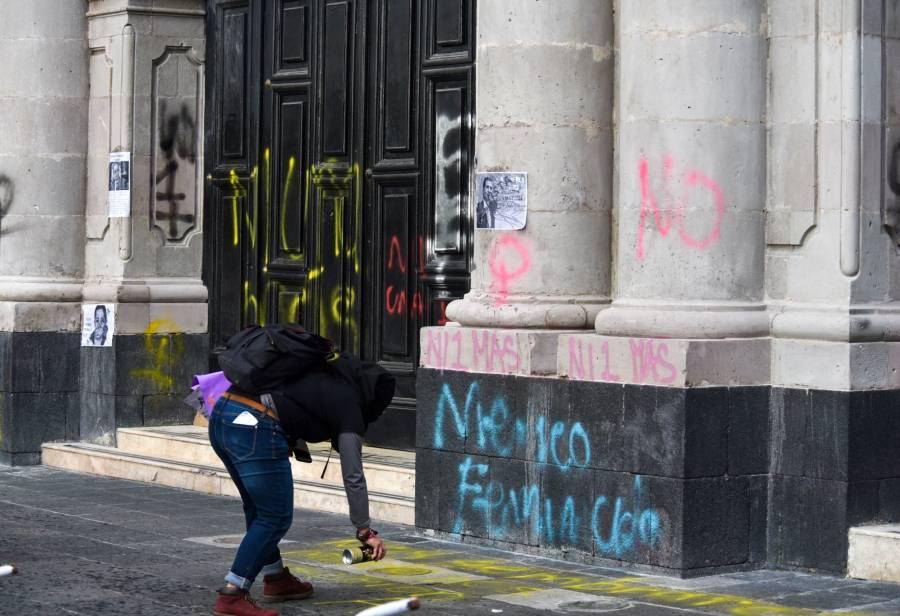 Morena propone trabajo comunitario a quien dañe monumentos e inmuebles en marchas