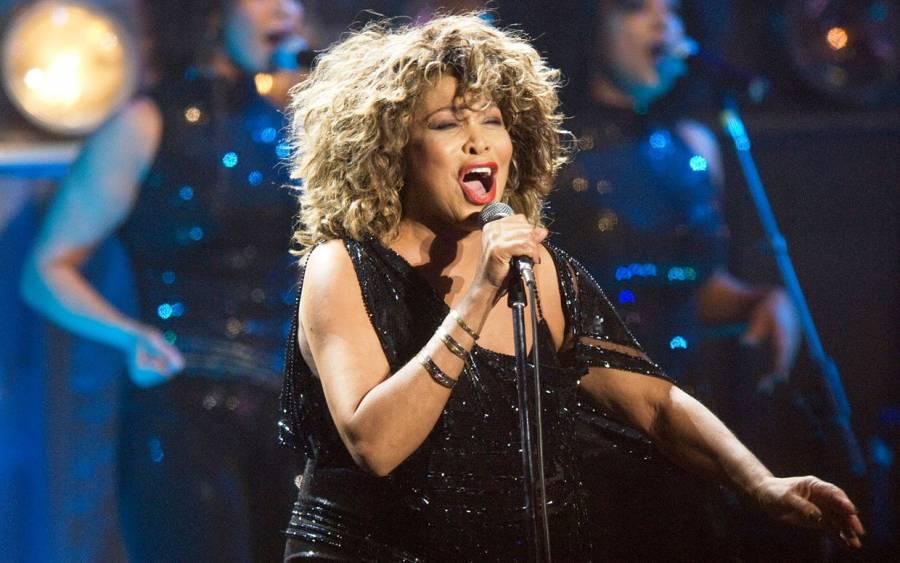 La cantante legendaria Tina Turner vende derechos musicales a BMG