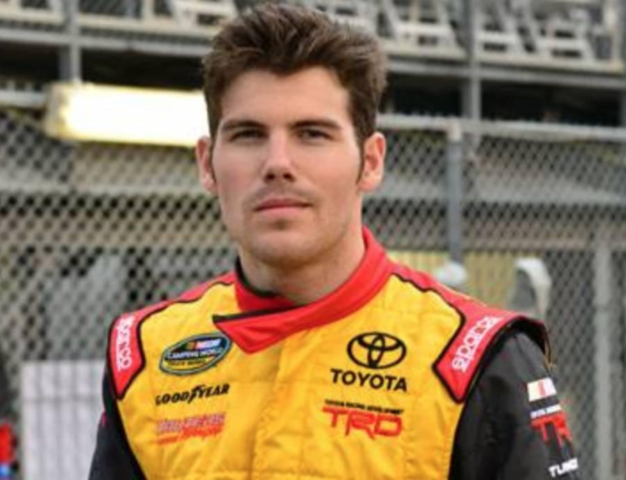 John Wes Townley, ex piloto de NASCAR, muere de un disparo tras atacar a su ex esposa