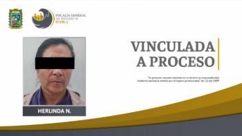 Vinculan a proceso a mujer que quemó el rostro de su nieta en Puebla