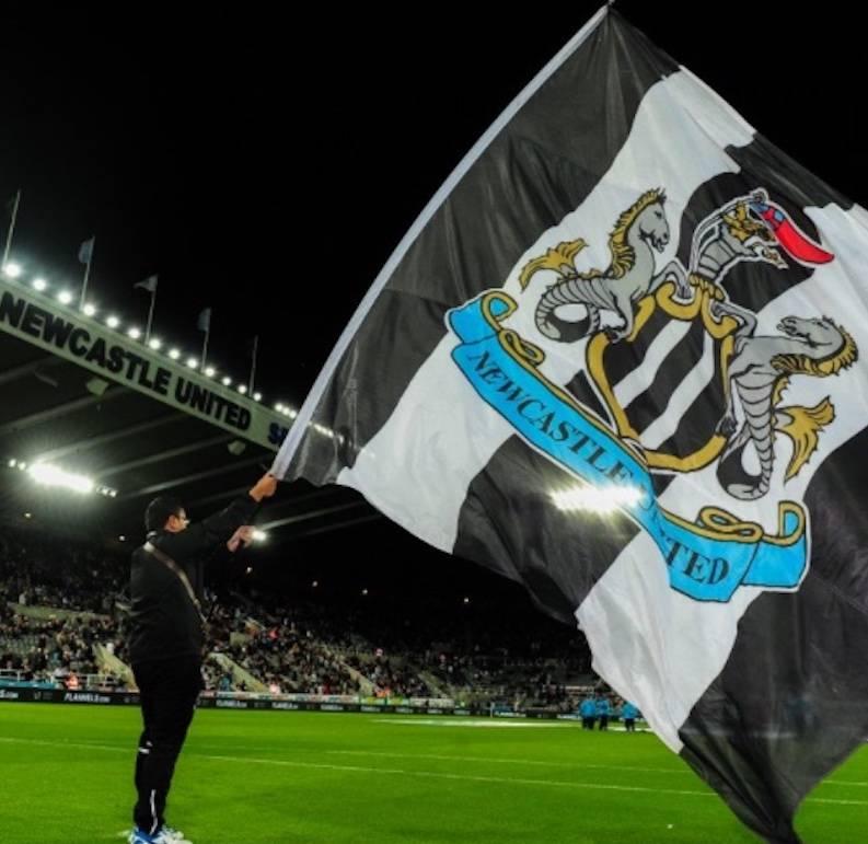 Nace un nuevo rico: Premier League aprueba compra del Newcastle por un fondo saudita