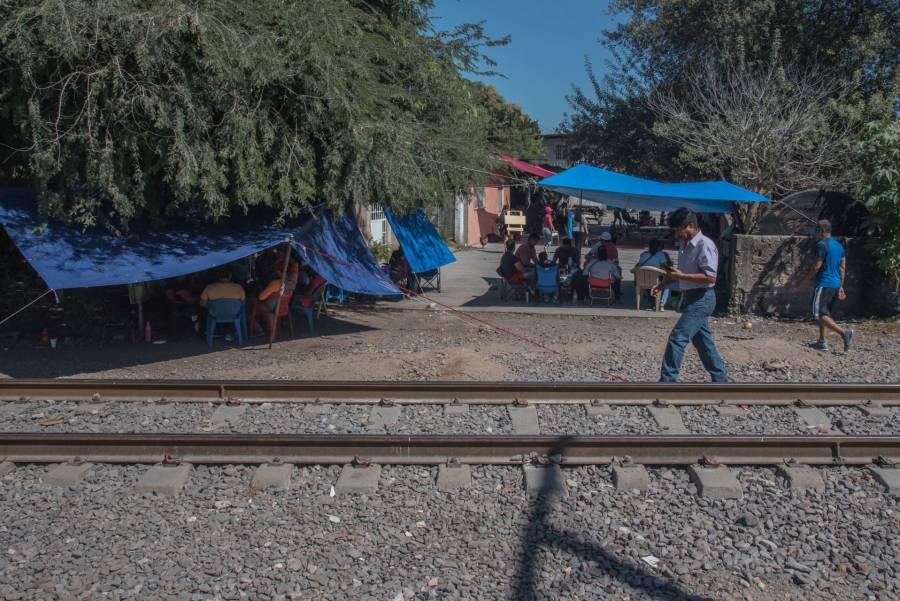 Proponen cárcel para quien cierre carreteras y vías del tren
