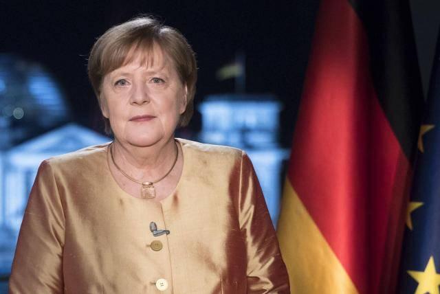 En su gira de despedida, Angela Merkel apoya a Israel