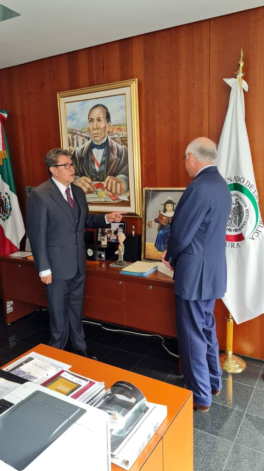 Ken Salazar: ¡Qué viva el Santo Niño de Atocha!, tras visitar el Senado