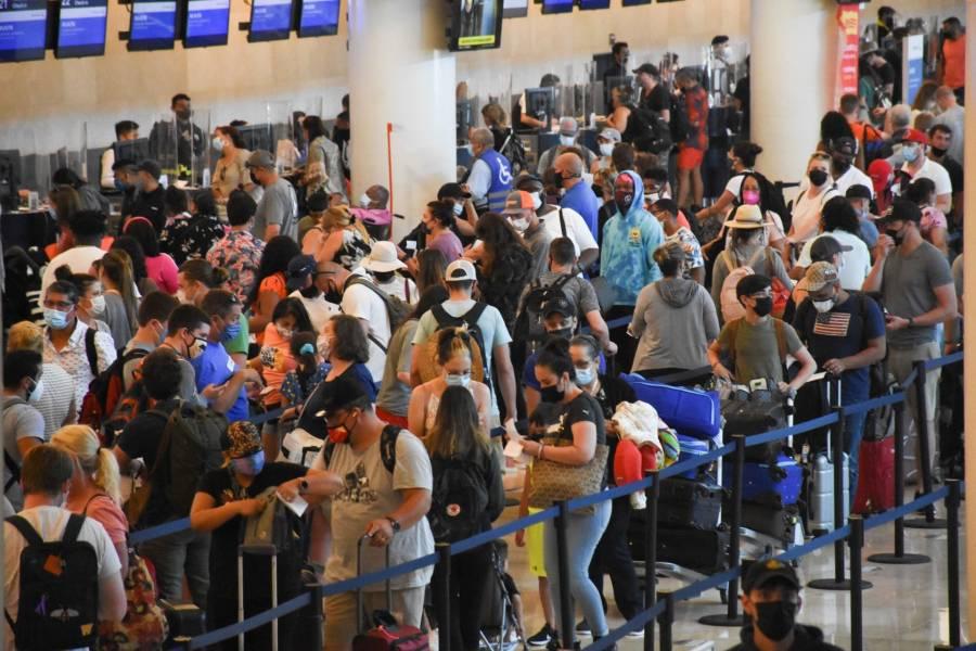 De enero a septiembre, incrementó 60.9% el flujo de usuarios en aeropuertos: SCT