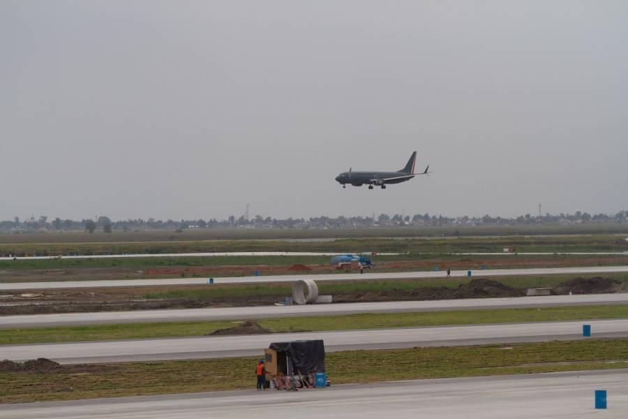 Con solo un vuelo real, gobierno federal aprueba operación de Santa Lucía