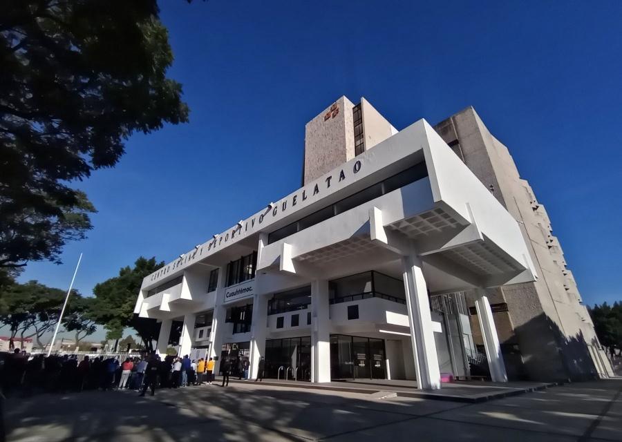 Deportivo Guelatao, en La Lagunilla, es cerrado por riesgo de derrumbe