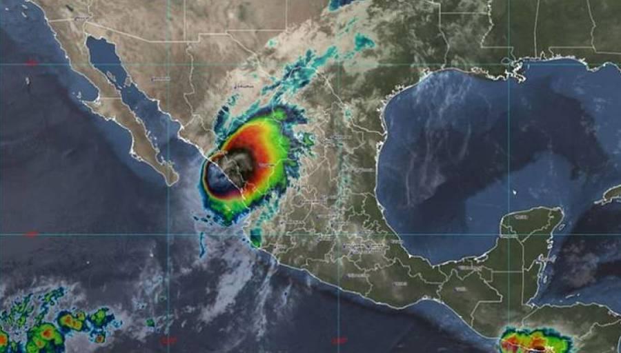 Pamela nuevamente es huracán en costas de Sinaloa