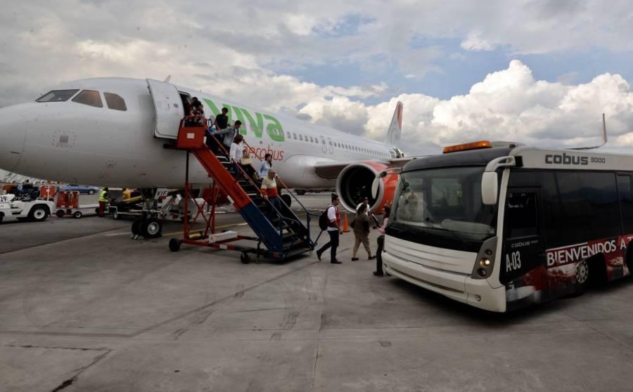 """Profeco: Es """"ilegal"""" que aerolíneas cobren equipaje de mano"""