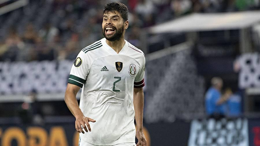 Tras expulsión, Néstor Araujo no disputará el partido en contra de EEUU