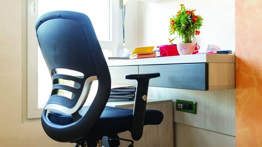 ¿Qué características tiene una silla ergonómica para el home office?
