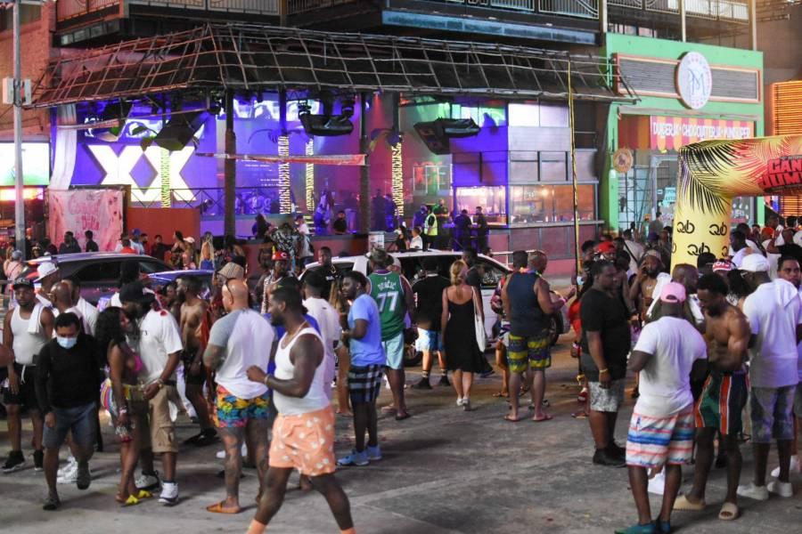 CDMX levanta restricciones para eventos masivos al aire libre