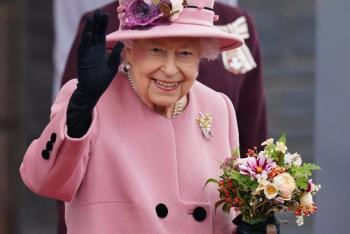 Isabel II, irritada por quienes