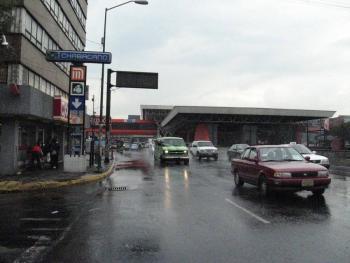 Habitantes de la colonia Vista Alegre se manifestaron en el metro Chabacano